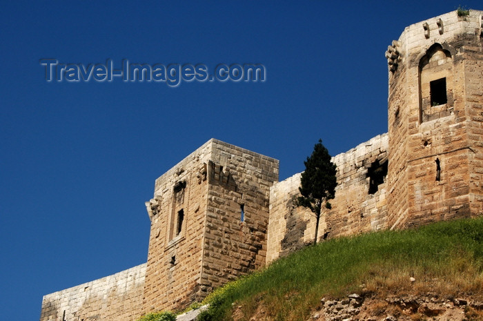 turkey262: Gaziantep, Turkey: the citadel - castle - fortress - Gaziantep Kalesi - photo by . le Mire - (c) Travel-Images.com - Stock Photography agency - Image Bank