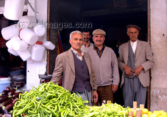 turkey266: Turkey - Mardin: selling fruit and vegetables - market - photo by C. le Mire - (c) Travel-Images.com - Stock Photography agency - Image Bank