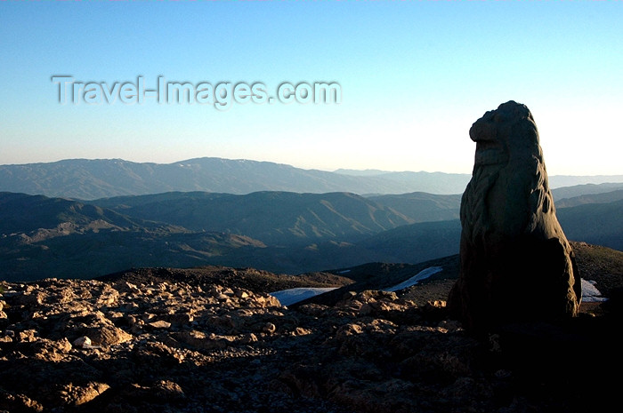 turkey279: Turkey - Mt Nemrut: view towards the valley - photo by C. le Mirey - (c) Travel-Images.com - Stock Photography agency - Image Bank