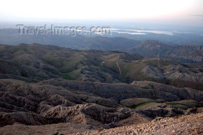 turkey290: Turkey - Mt Nemrut: view of the Taurus mountains - start of the Anatolian plateau - photo by C. le Mire - (c) Travel-Images.com - Stock Photography agency - Image Bank