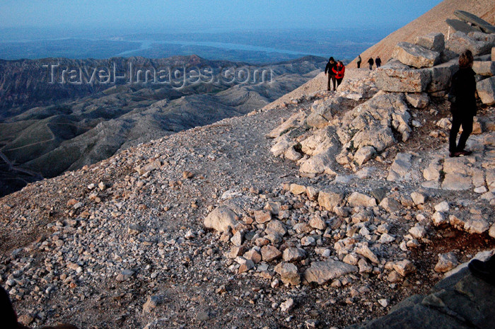 turkey291: Turkey - Mt Nemrut: path and view of the Taurus mountains - photo by C. le Mire - (c) Travel-Images.com - Stock Photography agency - Image Bank
