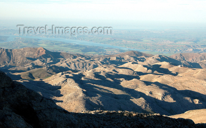 turkey294: Turkey - Mt Nemrut: view of the Taurus mountains and the river Euphrates - photo by C. le Mire - (c) Travel-Images.com - Stock Photography agency - Image Bank