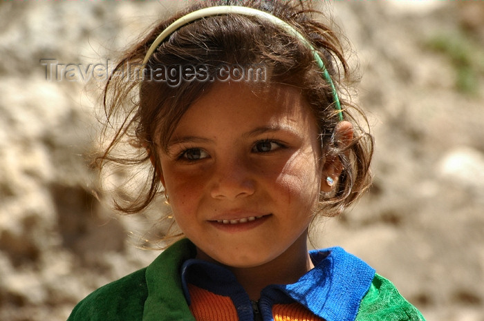 turkey300: Harran, Turkey: smiling Arab girl - photo by C. le Mire - (c) Travel-Images.com - Stock Photography agency - Image Bank