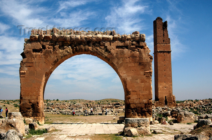 turkey302: Turkey - Harran: ruins of the ancient Carrhes - arch - Great Mosque Ruins - Ulu Camii - Aleppo Gate - photo by C. le Mire - (c) Travel-Images.com - Stock Photography agency - Image Bank
