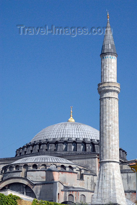 turkey376: Istanbul, Turkey: central dome and the stone minaret - Hagia Sophia - Saint Sophia / Ayasofya / Haghia Sophia - photo by M.Torres - (c) Travel-Images.com - Stock Photography agency - Image Bank