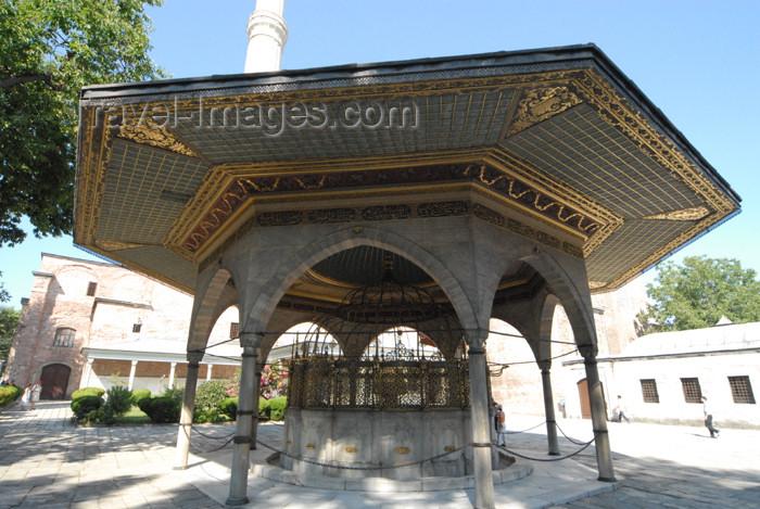 turkey381: Istanbul, Turkey: ablutions fountain - Turkish Rococo style - Hagia Sophia - Saint Sophia / Ayasofya / Haghia Sophia - photo by M.Torres - (c) Travel-Images.com - Stock Photography agency - Image Bank