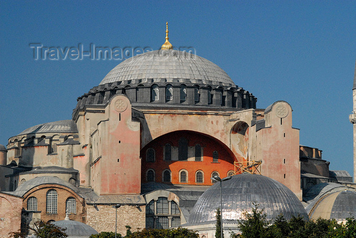 turkey382: Istanbul, Turkey: Hagia Sophia, the Church of Holy Wisdom, built by emperor Justinian I - seat of the Orthodox patriarch of Constantinople - Saint Sophia / Ayasofya / Haghia Sophia - photo by M.Torres - (c) Travel-Images.com - Stock Photography agency - Image Bank
