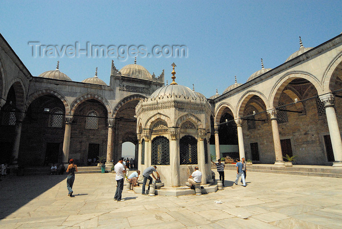 turkey398: Istanbul, Turkey: New mosque - courtyard and ablutions fountain - yeni cami - Eminonu - photo by J.Wreford - (c) Travel-Images.com - Stock Photography agency - Image Bank