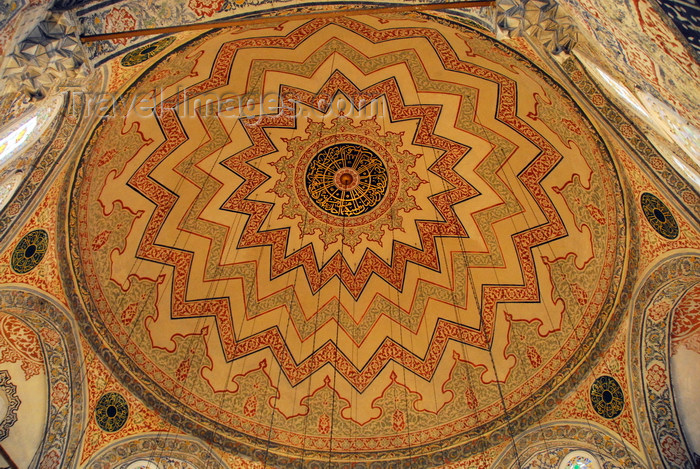 turkey435: Istanbul, Turkey: dome of tomb of Sultan Ahmed I - turbe - Eminönü District - photo by M.Torres - (c) Travel-Images.com - Stock Photography agency - Image Bank