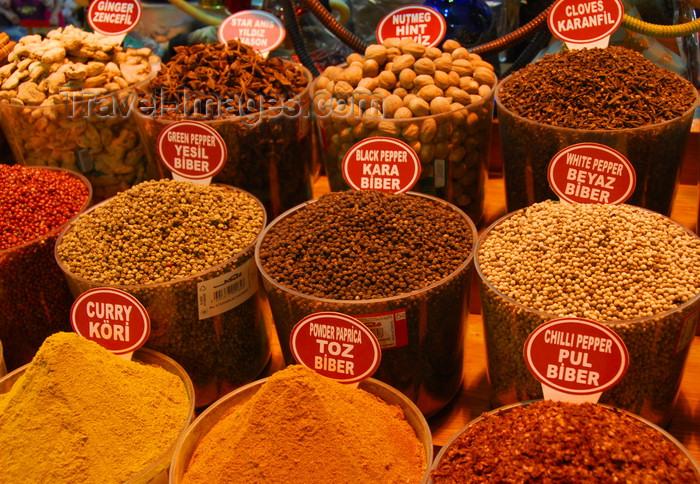 turkey449: Istanbul, Turkey: spices - Spice Bazaar aka Egyptian Bazaar - Misir Çarsisi - Eminönü District - photo by M.Torres - (c) Travel-Images.com - Stock Photography agency - Image Bank