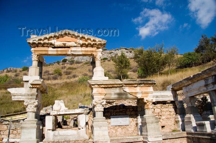 turkey45: Efes / Ephesus - Selcuk, Izmir province, Turkey: fountain of Trajan - photo by D.Smith - (c) Travel-Images.com - Stock Photography agency - Image Bank