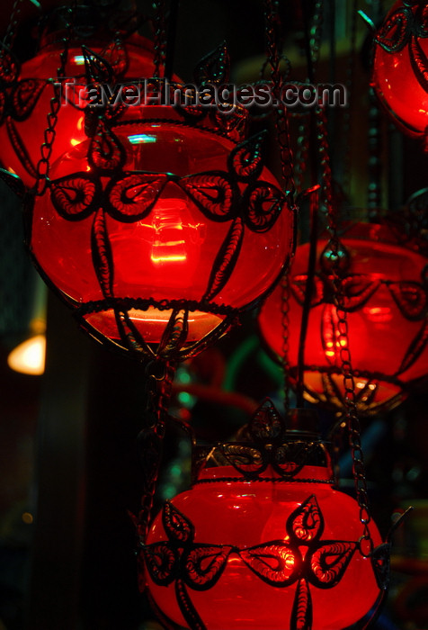 turkey453: Istanbul, Turkey: red lamps - Spice Bazaar aka Egyptian Bazaar - Eminönü District - photo by M.Torres - (c) Travel-Images.com - Stock Photography agency - Image Bank