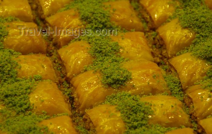 turkey460: Istanbul, Turkey: Turkish sweets - söbiyet - Ankara Cd - Eminönü District - photo by M.Torres - (c) Travel-Images.com - Stock Photography agency - Image Bank