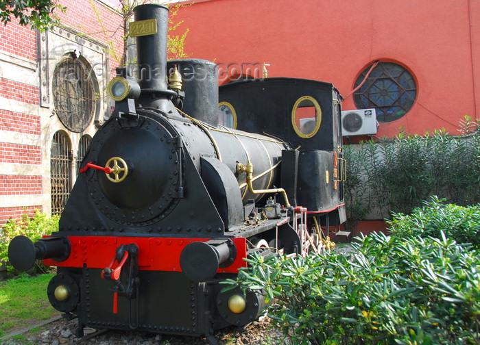 turkey477: Istanbul, Turkey: old steam locomotive of the Turkish State Railways / Türkiye Cumhuriyeti Devlet Demiryollari (TCDD) - Sirkeci Train Station - Eminönü District - photo by M.Torres - (c) Travel-Images.com - Stock Photography agency - Image Bank