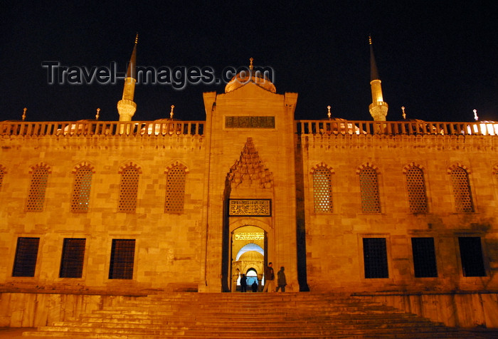 turkey478: Istanbul, Turkey: Sultan-Ahmet mosque aka Blue mosque - north-west façade, by the Roman hippodrome - gate to the courtyard - nocturnal - Eminönü district - photo by M.Torres - (c) Travel-Images.com - Stock Photography agency - Image Bank
