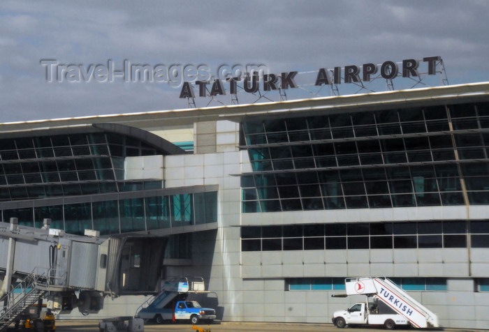 turkey481: Istanbul, Turkey: terminal air side - Atatürk-International-Airport - photo by M.Torres - (c) Travel-Images.com - Stock Photography agency - Image Bank