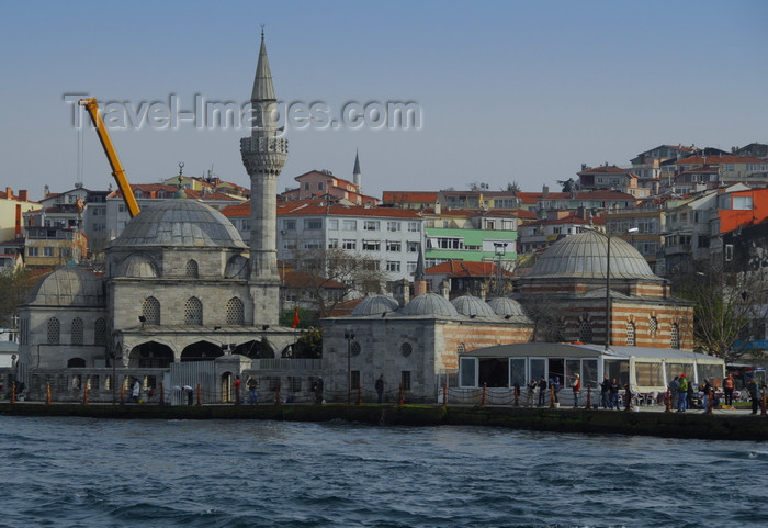 turkey484: Istanbul, Turkey: Mihrimah Sultan Mosque seen from the Bosphorus - Üsküdar District - photo by M.Torres - (c) Travel-Images.com - Stock Photography agency - Image Bank