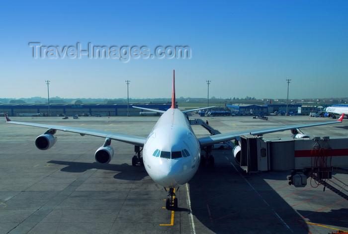 turkey493: Istanbul, Turkey: Turkish Airlines Airbus A340-313X Kocaeli TC-JIH cn-270- Atatürk-International-Airport - photo by M.Torres - (c) Travel-Images.com - Stock Photography agency - Image Bank