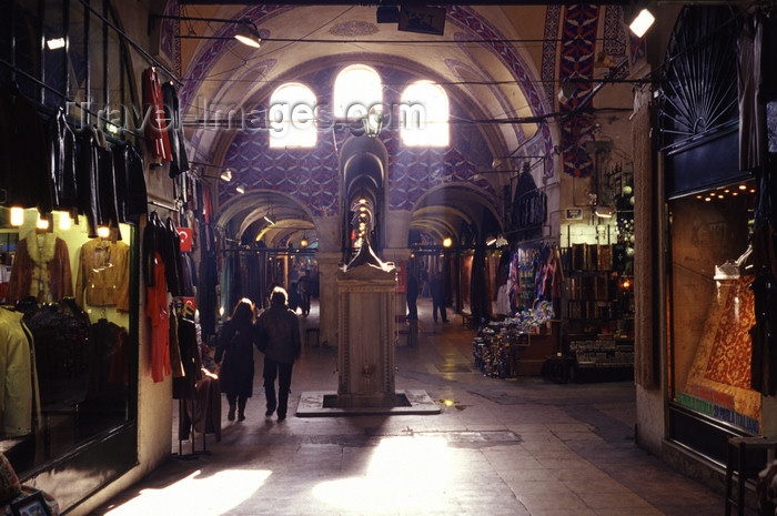 turkey501: Istanbul, Turkey: light enters the Grand Bazaar - Kapali Çarsi - photo by S.Lund - (c) Travel-Images.com - Stock Photography agency - Image Bank