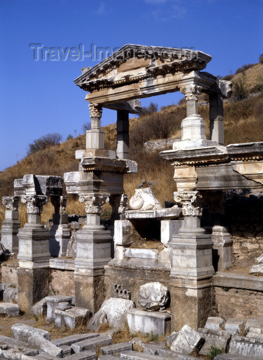 turkey515: Efes / Ephesus - Selcuk, Izmir province, Aegean region, Turkey: fountain built in honour of the Emperor Trajan - the pool was 20 m long and 10 meters wide - photo by J.Fekete - (c) Travel-Images.com - Stock Photography agency - Image Bank