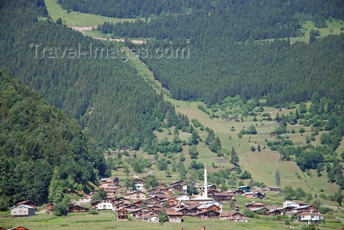turkey519: Uzungöl, Trabzon province, Black Sea region, Turkey: cottages on the slope - photo by W.Allgöwer - (c) Travel-Images.com - Stock Photography agency - Image Bank