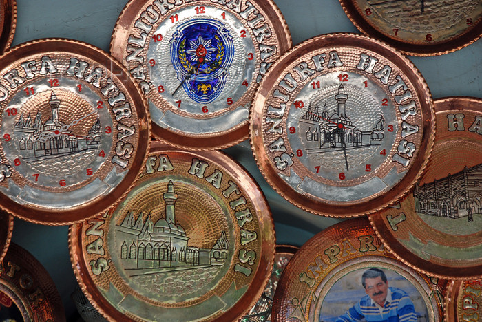 turkey565: Urfa / Edessa / Sanliurfa, Southeastern Anatolia, Turkey: copper clocks - souvenirs - photo by W.Allgöwer - (c) Travel-Images.com - Stock Photography agency - Image Bank