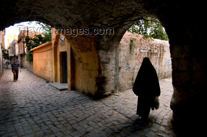 turkey573: Urfa / Edessa / Sanliurfa, Southeastern Anatolia, Turkey: old town - silhouette of veiled woman - photo by J.Wreford - (c) Travel-Images.com - Stock Photography agency - Image Bank