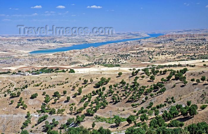 turkey591: Adiyaman province, Southeastern Anatolia, Turkey: Atatürk dam and Taurus mountains - photo by W.Allgöwer - (c) Travel-Images.com - Stock Photography agency - Image Bank