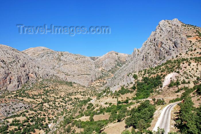 turkey595: Adiyaman province, Southeastern Anatolia, Turkey: road and Taurus mountains rocky landscape - photo by W.Allgöwer - (c) Travel-Images.com - Stock Photography agency - Image Bank