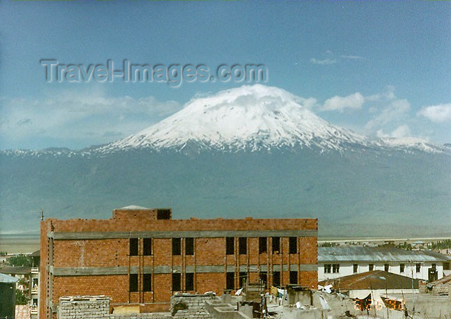 turkey71: Turkey - Kars / Quers: view of Mount Ararat - photo by G.Frysinger - (c) Travel-Images.com - Stock Photography agency - Image Bank