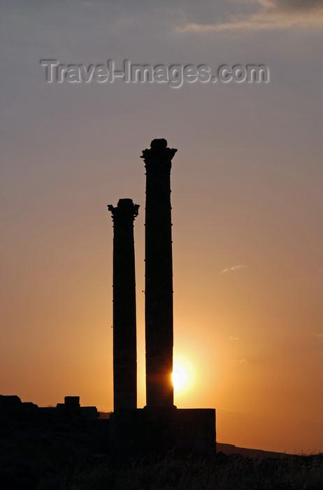 turkey79: Urfa / Edessa / Sanliurfa, Southeastern Anatolia, Turkey: Roman columns at the site of Urfa Castle - sunset - photo by W.Allgöwer - (c) Travel-Images.com - Stock Photography agency - Image Bank
