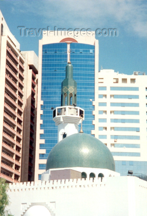 uaead11: UAE - Abu Dhabi / Abu Dabi: green dome and minaret - Mosque on Al Manhal district - photo by M.Torres - (c) Travel-Images.com - Stock Photography agency - Image Bank