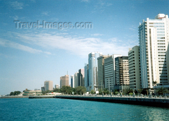 uaead2: Abu Dhabi, UAE: Persian gulf water-front (Trucial coast) - the Corniche - photo by M.Torres - (c) Travel-Images.com - Stock Photography agency - Image Bank