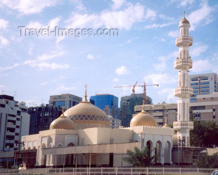 uaead3: UAE - Abu Dhabi / Abu Dabi: Al Bateen mosque - Islamic architecture on Bainuna St - photo by M.Torres - (c) Travel-Images.com - Stock Photography agency - Image Bank