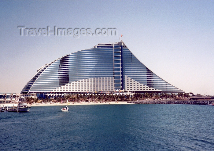 uaedb5: UAE - Jumeira: the Jumeirah Beach Hotel - design by WS Atkins - photo by M.Torres - (c) Travel-Images.com - Stock Photography agency - Image Bank