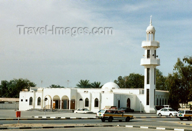 uaerk4: UAE - Ras al Khaimah: mosque - photo by G.Frysinger - (c) Travel-Images.com - Stock Photography agency - Image Bank