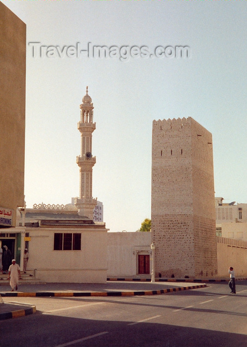 uaesj10: UAE - Sharjah: tower and minaret - Heritage District - photo by M.Torres - (c) Travel-Images.com - Stock Photography agency - Image Bank