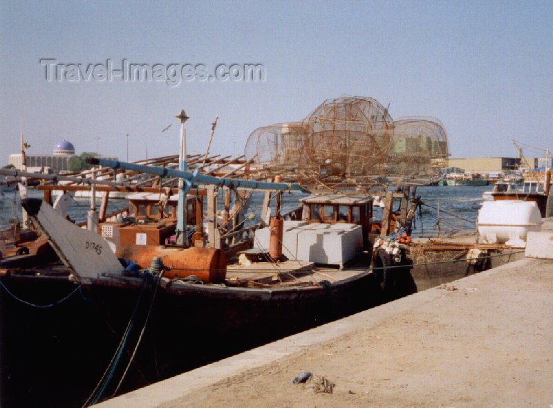 uaesj3: UAE - Sharjah / SHJ : fishing gear - dhow on Sharjah Creek - photo by M.Torres - (c) Travel-Images.com - Stock Photography agency - Image Bank