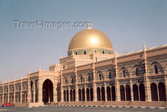 uaesj4: UAE - Sharjah / SHJ : Golden dome - Souq Al Majarrah - Corniche road - photo by M.Torres - (c) Travel-Images.com - Stock Photography agency - Image Bank