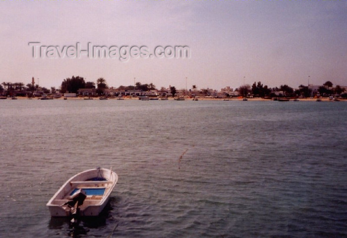 uaeuq2: UAE - Umm Al-Quaim / Umm Alquwain /  Umm Al Qaiwain / QIW : the beach - Khor Umm al Qaiwain - photo by M.Torres - (c) Travel-Images.com - Stock Photography agency - Image Bank