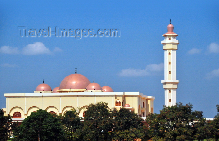 uganda106: Kampala, Uganda: the National Mosque, aka Gaddafi Mosque, the largest mosque in Uganda, paid by Libya - Old Kampala hill - photo by M.Torres - (c) Travel-Images.com - Stock Photography agency - Image Bank