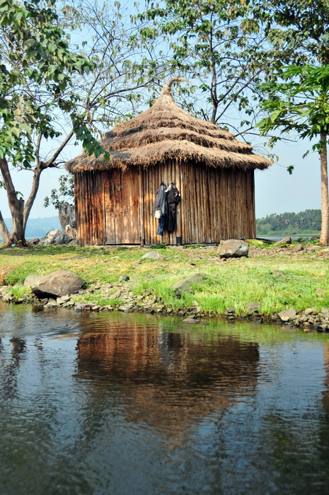 Jinja Uganda Source Of The Nile River At Lake Victoria Napoleon