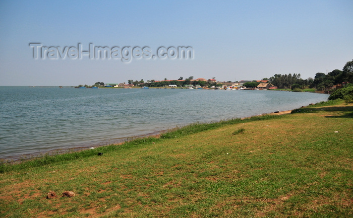 uganda181: Entebbe, Wakiso District, Uganda: the Botanical beach on the shore of Lake Victoria - looking at the marina and the naval base, Manyago area - photo by M.Torres - (c) Travel-Images.com - Stock Photography agency - Image Bank