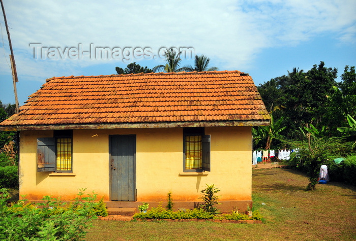 uganda189: Entebbe, Wakiso District, Uganda: yellow house on Manyago Road, part of a development for civil servants - photo by M.Torres - (c) Travel-Images.com - Stock Photography agency - Image Bank