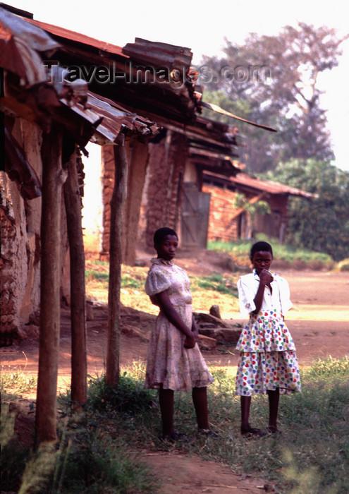uganda39: Uganda - Kyarusozi - girls - photos of Africa by F.Rigaud - (c) Travel-Images.com - Stock Photography agency - Image Bank