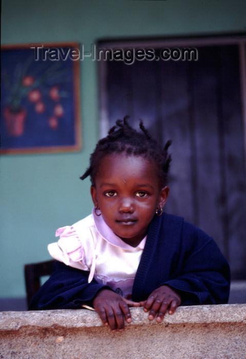 uganda42: Uganda - Kyarusozi - Winnie - photos of Africa by F.Rigaud - (c) Travel-Images.com - Stock Photography agency - Image Bank