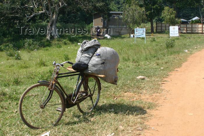 uganda54: Uganda - Bugala island - Ssese Islands - bike waiting for the ferry - Lake Victoria - Kalangala District - photo by E.Andersen - (c) Travel-Images.com - Stock Photography agency - Image Bank