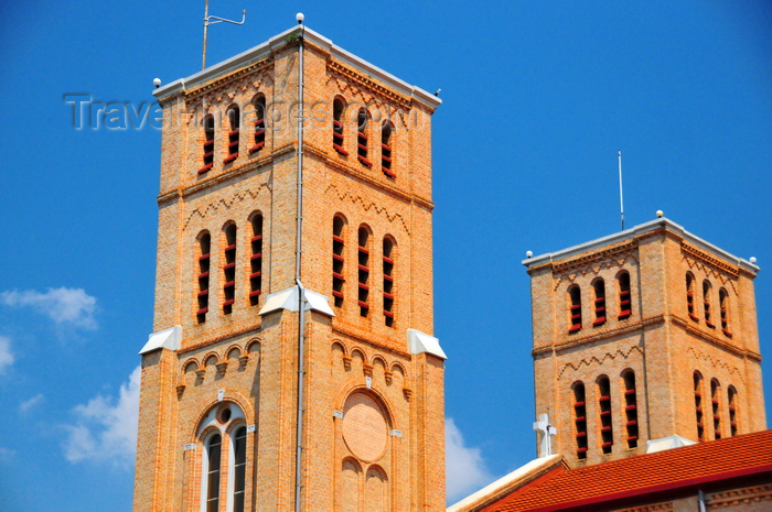 uganda92: Kampala, Uganda: bell towers of St. Mary's Catholic Cathedral, Rubaga Cathedral, Rubaga hill - Metropolitan Archdiocese of Kampala - photo by M.Torres - (c) Travel-Images.com - Stock Photography agency - Image Bank