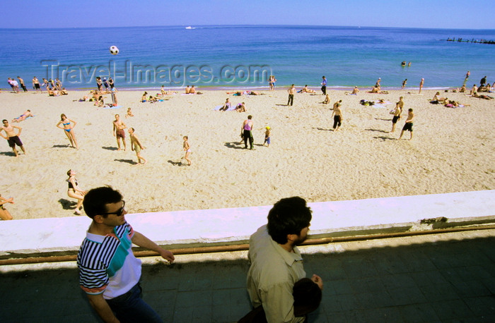 ukra102: Odessa, Ukraine: Lanzheron beach - Black Sea, two men walking by the strand - photo by K.Gapys - (c) Travel-Images.com - Stock Photography agency - Image Bank