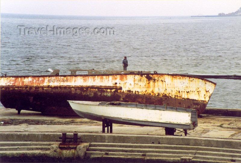 ukra16: Ukraine - Odessa / Odesa / ODS:  rusting by the Black Sea (photo by Nacho Cabana) - (c) Travel-Images.com - Stock Photography agency - Image Bank